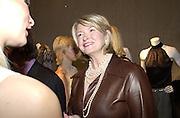 Martha Stewart. Opening of Michael Kors Store. 974 Madison Ave. New York. 21 September 2000. Museum of Art.  21 September 2000. © Copyright Photograph by Dafydd Jones 66 Stockwell Park Rd. London SW9 0DA Tel 020 7733 0108 www.dafjones.com
