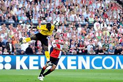 27-04-2008 VOETBAL: KNVB BEKERFINALE FEYENOORD - RODA JC: ROTTERDAM <br /> Feyenoord wint de KNVB beker - Serginho Green en Cheikh Tiote<br /> ©2008-WWW.FOTOHOOGENDOORN.NL