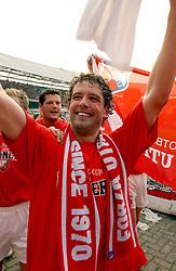 01-06-2003 NED: Amstelcup finale FC Utrecht - Feyenoord, Rotterdam<br /> FC Utrecht pakt de beker door Feyenoord met 4-1 te verslaan / Jean Paul de Jong