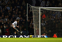 Photo: Chris Ratcliffe.<br />West Ham United v Newcastle United. The Barclays Premiership. 17/12/2005.<br />Michael Owen (L) completes his hat-trick