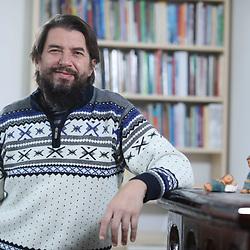 20201105: SLO, People - Portrait of Simon Potnik