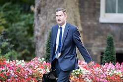 © Licensed to London News Pictures. 17/10/2017. London, UK. Work and Pensions Secretary David Gauke arriving in Downing Street to attend a Cabinet meeting this morning. Photo credit : Tom Nicholson/LNP