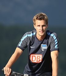04.08.2014, Athletic Area, Schladming, AUT, Hertha BSC, im Bild Sebastian Langkamp (Hertha BSC, #15) auf einem Mountainbike // during a training session of the German Bundesliga Club Hertha BSC at the Athletic Area, Austria on 2014/08/04. EXPA Pictures © 2014, PhotoCredit: EXPA/ Martin Huber