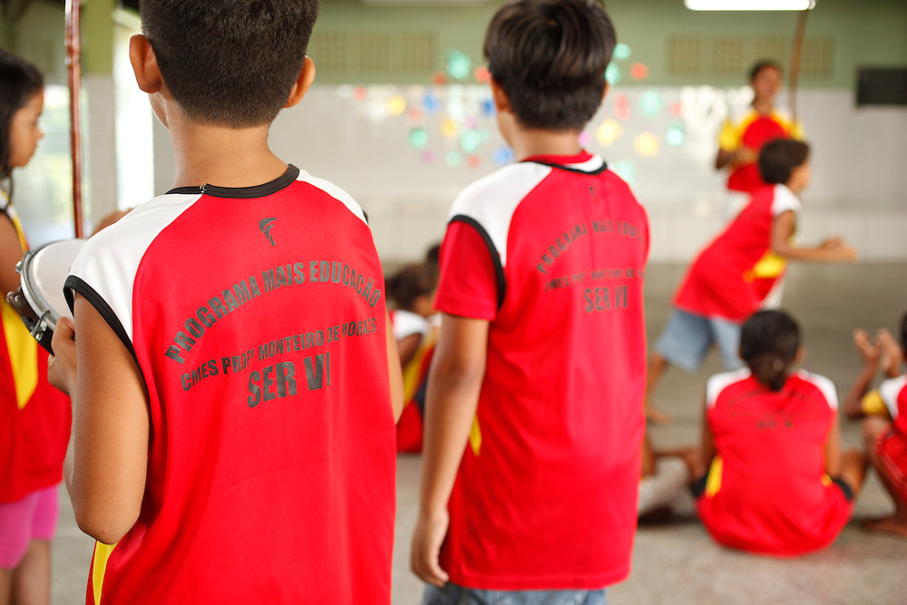 Fortaleza_CE, Brasil.<br /> <br /> Projeto Mais Educacao na escola Professor Monteiro de Morais em Fortaleza, Ceara.<br /> <br /> Mais Educacao project in the Professor Monteiro de Morais school in Fortaleza, Ceara.<br /> <br /> Foto: BRUNO MAGALHAES / NITRO