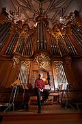 """Der Muensterorganist Daniel Glaus hat eine """"RAUMSINFONIE"""" komponiert. Es geht um das 500-jaehrige Chorgewoelbe, das restauriert worden ist. © Adrian Moser"""