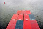 Nederland, Nijmegen,8-8-2007..Een binnenvaartschip met containers op de rivier de Waal. Transport, verkeer over water, waterweg, vaarroute naar duitsland...Foto: Flip Franssen/Hollandse Hoogte