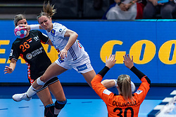 14-12-2018 FRA: Women European Handball Championships France - Netherlands, Paris<br /> Second semi final France - Netherlands / Angela Malestein #26 of Netherland/, Manon Houette #13 of France, Rinka Duijndam #30 of Netherlands