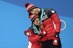 February 15, 2018 - Pyeongchang, South Korea - MEAGAN DUHAMEL and ERIC RADFORD of Canada with their bronze medals from the Pair Skating Free Skating event in the PyeongChang Olympic games. (Credit Image: © Christopher Levy via ZUMA Wire)