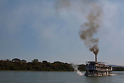 Pirapora_MG, Brasil...Rio Sao Francisco, o rio da integracao nacional. Na foto o barco a vapor Benjamim Guimaraes...The Sao Francisco river, It is an important river for Brazil, called the river of national integration. In this photo, the steam paddle boat Benjamim Guimaraes...Foto: LEO DRUMOND / NITRO