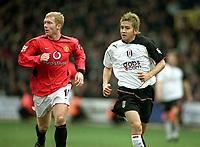 Paul Scholes (Utd) Junichi Inamoto (Fulham). Fulham v Manchester United. 28/2/04. Credit : Digitalsport/Andrew Cowie.