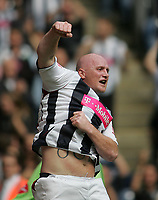 Photo: Lee Earle.<br /> West Bromwich Albion v Hull City. Coca Cola Championship. 05/08/2006. Albion's John Hartson celebrates scoring their opening goal.