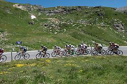 10.07.2015, Kitzbühel, AUT, Österreich Radrundfahrt, 6. Etappe, Lienz auf das Kitzbühler Horn, im Bild das Hauptfeld auf der Grossglockner Hochalpenstrasse // the peleton at the Grossglockner Hochalpenstrasse during the Tour of Austria, 6th Stage, from Lienz to the Kitzbühler Horn, Kitzbühel, Austria on 2015/07/10. EXPA Pictures © 2015, PhotoCredit: EXPA/ Reinhard Eisenbauer