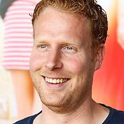 """NLD/Amsterdam/20150515 - Castpresentatie nieuwe film van Johan Nijenhuis  """"Rokjesdag"""", Ferdi Stofmeel"""