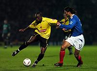 Fotball<br /> Carling cup England 2004/05<br /> Watford v Portsmouth<br /> 30. november 2004<br /> Foto: Digitalsport<br /> NORWAY ONLY<br /> LLOYD DOYLEY WATFORD & PATRIK BERGER PORTSMOUTH