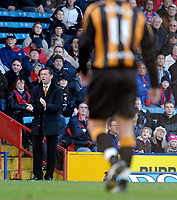 Photo: Alan Crowhurst.<br />Crystal Palace v Hull City. Coca Cola Championship. 20/01/2007. Hull manager Phil Brown shouts the orders.