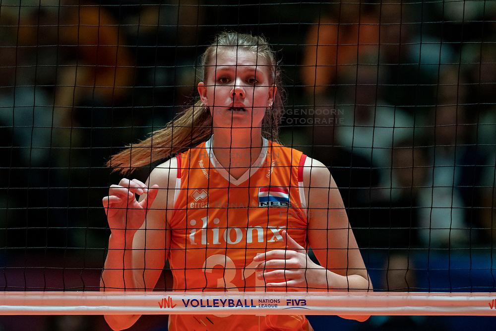 28-05-2019 NED: Volleyball Nations League Netherlands - Brazil, Apeldoorn<br /> <br /> Eline Timmerman #31 of Netherlands