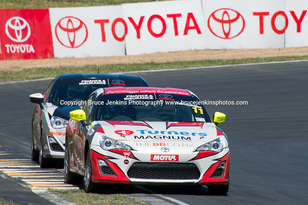 Tom Alexander leads Ash Blewett at Hampton Downs in the Toyota Finance 86 series in New Zealand