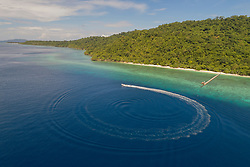 Luftaufnahme der Insel Selayar, FloresInsel Selayar, Sulawesi, Indonesien, Floressee / Aerial view of the Island Selayar, South Sulawesi, Sulawesi, Indonesia, Flores Sea