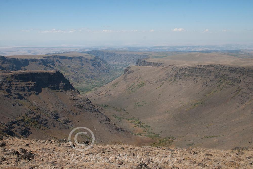 Very long canyon
