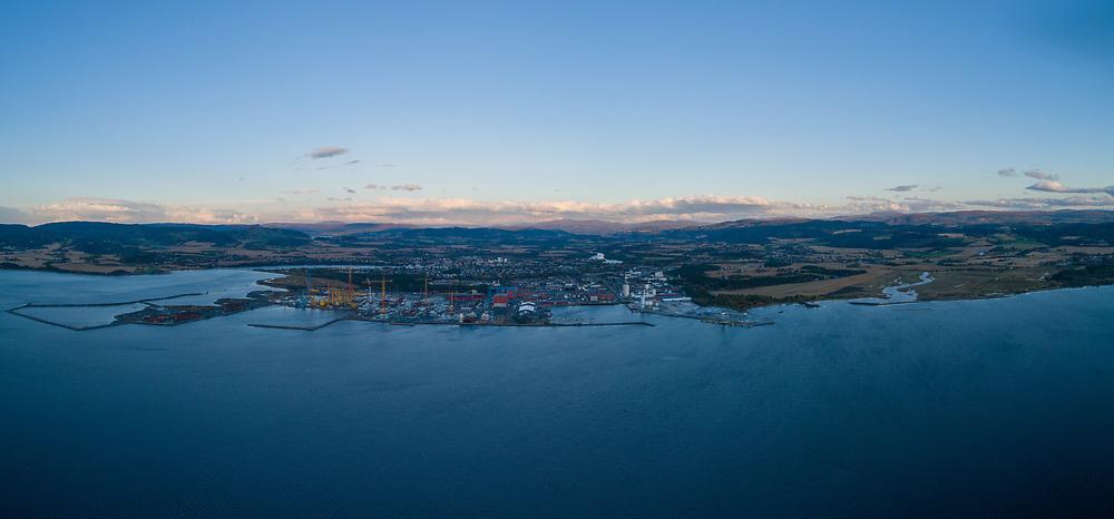 Utsikt over Trones bruk og Verdal sett fra Trondheimsfjorden. Luftfoto panorama.