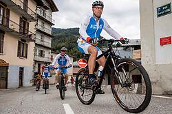 10-09-2017 FRA: BvdGF Tour du Mont Blanc day 1, Beaufort <br /> Vandaag vertrekken we vanuit Papendal in Arnhem naar naar het plaatsje Beaufort (nabij Chamonix) in Frankrijk / Rene