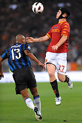 25.09.2010, Stadio Olim, Roma, ITA, Serie A, AS Rom vs Inter Mailand, im Bild john arne riise (roma) e maicon (intter).EXPA Pictures © 2010, PhotoCredit: EXPA/ InsideFoto/ Massimo Oliva +++++ ATTENTION - FOR AUSTRIA AND SLOVENIA CLIENT ONLY +++++ / SPORTIDA PHOTO AGENCY