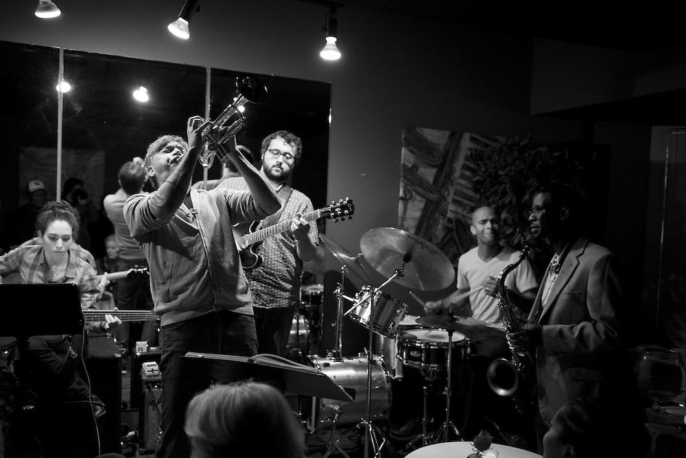 Trumpet superstar Rick Braun solos with the Marcus Finnie Band at Nine48Jazz in Nashville, TN.