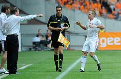 05-06-2010 VOETBAL: NEDERLAND - HONGARIJE: AMSTERDAM<br /> Nederland wint met 6-1 van Hongarije / German referee Christopher Bornhorst en Balazs Dzsudzsak die de 1-0 maakt<br /> ©2010-WWW.FOTOHOOGENDOORN.NL