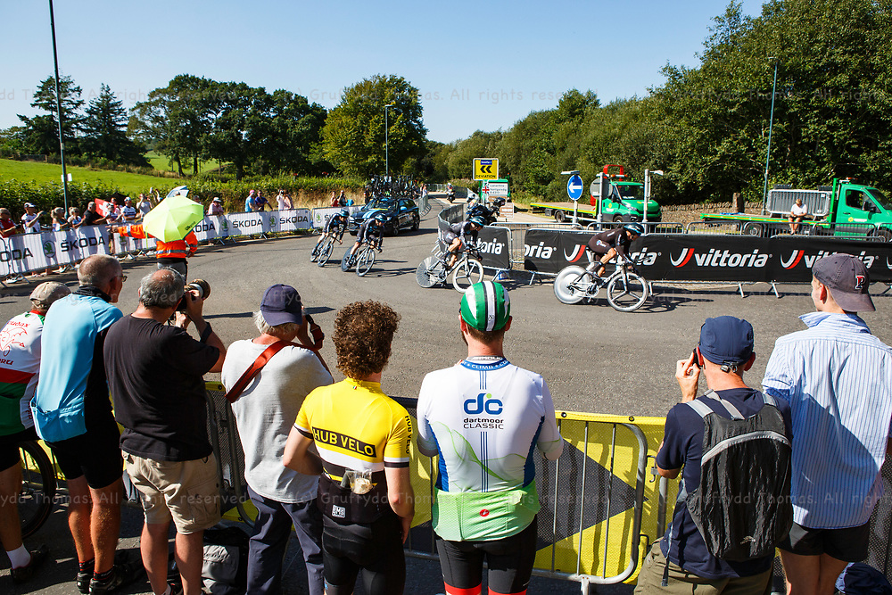 National Botanic Garden of Wales, Llanarthne, Wales, UK. Tuesday 7 September 2021.  Stage 3 of the Tour of Britain cycling race. Crowds watch Team DSM near the finish of the time trial.<br /> Credit: Gruffydd Thomas/Alamy