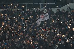 18.12.2.2010, Millerntor Stadion, Hamburg, GER, 1.FBL, FC St. Pauli vs 1. FSV Mainz 05, im Bild Feature die Fans von Pauli zuenden zu Beginn des Spiels Wunderkerzen. EXPA Pictures © 2010, PhotoCredit: EXPA/ nph/  Witke       ****** out ouf GER ******