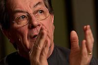 05 JAN 2005, BERLIN/GERMANY:<br /> Franz Muentefering, SPD Partei- und Fraktionsvorsitzender, waehrend einem Interview, Restaurant Tucher<br /> Franz Muentefering, Chairman of the Social Democratic Party Germany, during an interview<br /> IMAGE: 20050105-02-022<br /> KEYWORDS: Franz Müntefering