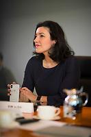 DEU, Deutschland, Germany, Berlin, 21.03.2018: Dorothee Bär (CSU), neue Staatsministerin für Digitales, mit einem Smartphone in der Hand vor Beginn der 2. Kabinettsitzung im Bundeskanzleramt.