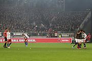 Fuusball: 2. Bundesliga, FC St. Pauli - Hamburger SV 2:0, Hamburg, 16.09.2019<br /> Jubel bei den St. Pauli Spielern - Enttaeuschung bei den HSV-Spielern<br /> © Torsten Helmke