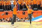 Nederlandse Olympische ploeg komt thuis en wordt gehuldigd op het plein voor Station Den Bosch.<br /> <br /> Op de foto: o.a. Marianne Vos