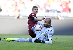 ROME, Oct. 21, 2018  AS Roma's Edin Dzeko (L) vies with Spal's Vanja Milinkovic-Savic during an Italian Serie A soccer match between AS Roma and Spal in Rome, Italy, Oct. 20, 2018. Spal won 2-0. (Credit Image: © Augusto Casasoli/Xinhua via ZUMA Wire)