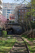 Paris 15th district, the petite ceinture, the former train line / la petite ceinture, l'ancienne voie de chemin de fer qui faisait le tour de Paris. dans le 15 em arrondissement