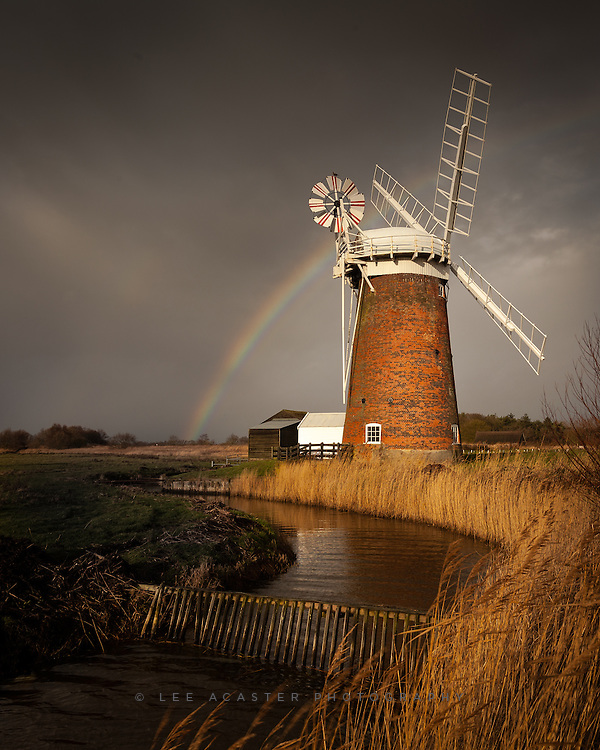 Another shot from a very great morning driving around Norfolk last week. The weather was changing continually, got absolutley drenched on more than one occasion, but the light more than made up for it.