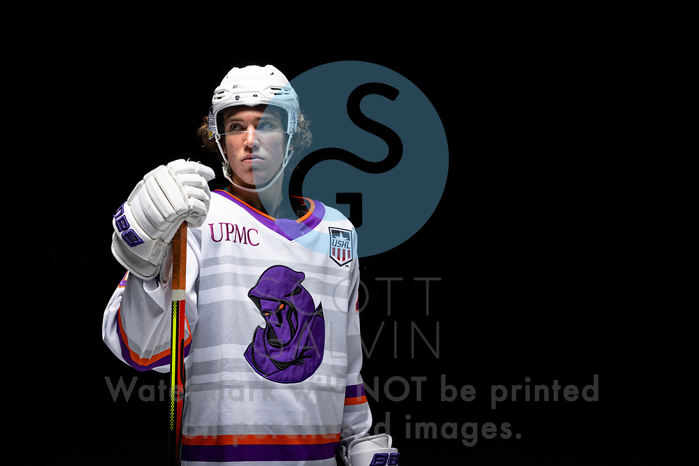 Youngstown Phantoms player photo shoot on April 14, 2021. <br /> <br /> Jaden Grant, forward, 40