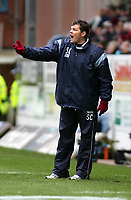 Photo. Andrew Unwin.<br /> Burnley v Rotherham, Coca-Cola Championship, Turf Moor, Burnley 12/03/2005.<br /> Burnley's manager, Steve Cotterill, shouts directions to his team.