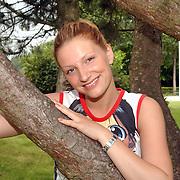 Acteurs bezoeken Six Flags Biddinghuizen, ex venga Boys Denise van Rijswijk