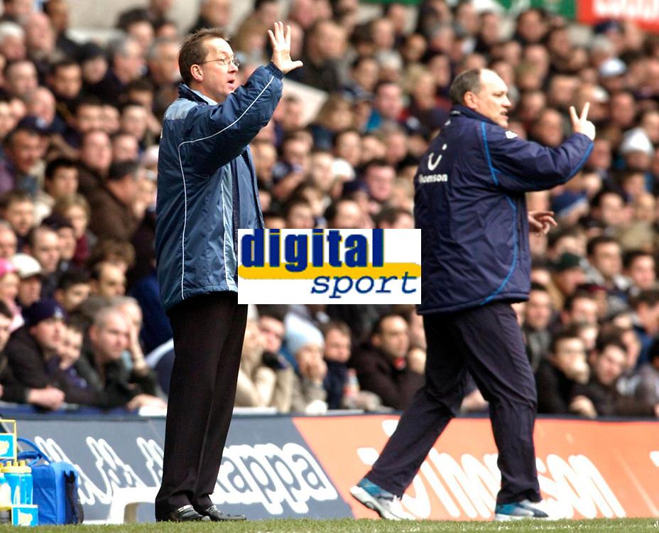 Photo: Leigh Quinnell.<br /> Tottenham Hotspur v Charlton Athletic. The Barclays Premiership. 05/02/2006. Charlton boss Alan Curbishley asks for five, Tottenham boss Martin Jol asks for two.