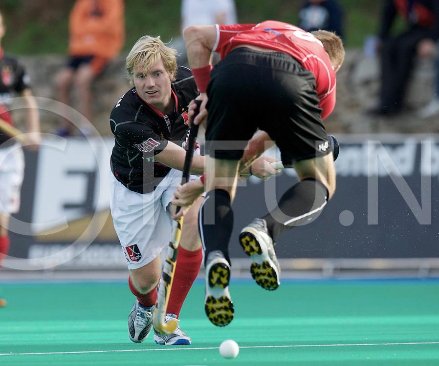 Barcelona - Amsterdam H&BC - WKS Grunwald PoznanEHL Season 2012 - 2013.Foto: Klaas Vermeulen passes the ball..FFU PRESS AGENCY COPYRIGHT FRANK UIJLENBROEK.