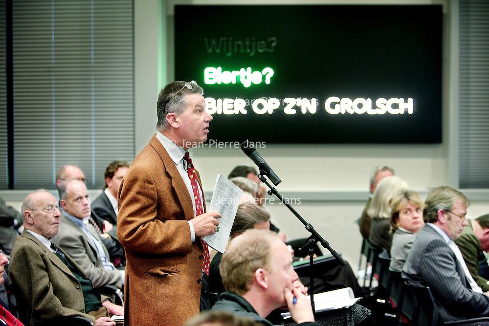 Nederland, Enschede,28 januari 2008..Aandeelhoudersvergadering van Grolsch i.v.m. overname SABMiller..Op de foto aandeelhouders van Grolsch tijdens de vergadering .