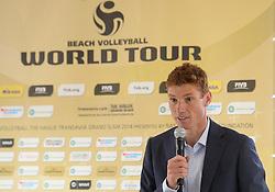 15-07-2014 NED: Persconferentie FIVB Grand Slam Beachvolleybal, Scheveningen<br /> Toernooidirecteur Bas van de Goor