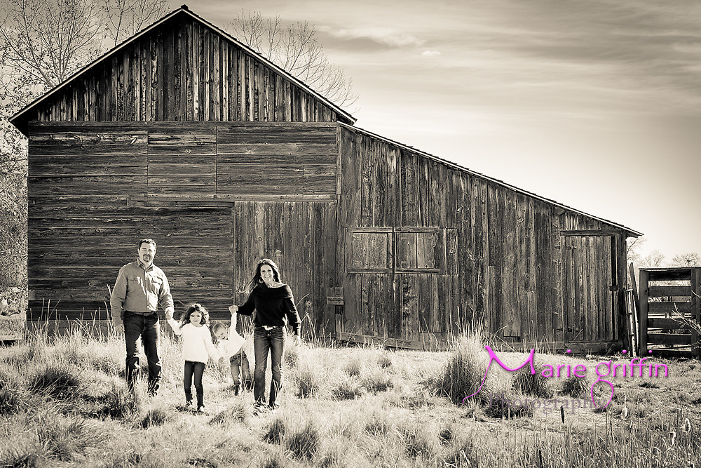 Hedgpeth family photos at Sandstone Ranch in Longmont, CO on October 27, 2018.<br /> Photography by: Marie Griffin Dennis/Marie Griffin Photography<br /> mariegriffinphotography.com<br /> mariefgriffin{@}gmail.com