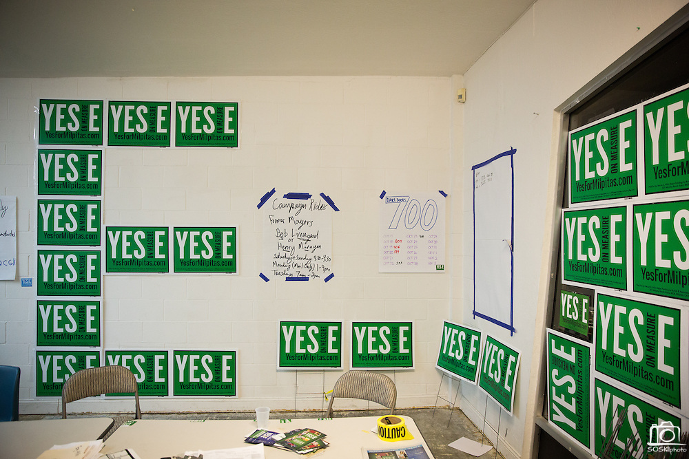 A nearly empty Yes On Measure E office is covered in posters in Milpitas, California, on November 4, 2014. (Stan Olszewski/SOSKIphoto)