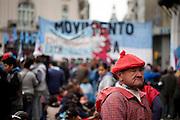 Buenos Aires, Argentina...Manifestacao na Plaza de Mayo em Buenos Aires na Argentina...Manifestation in the Plaza de Mayo in Buenos Aires in Argentina...Foto: JOAO MARCOS ROSA / NITRO