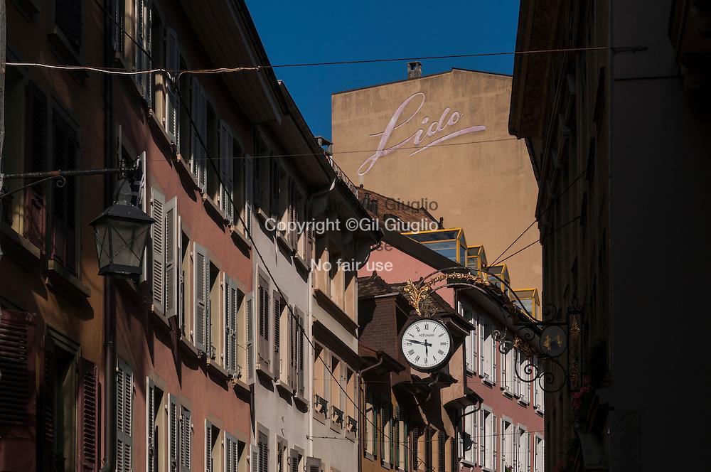 Suisse, Canton de Vaud, Région du Léman, Vevey, centre-ville, rue Louis-Meyer  // Switzerland, Canton of Vaud, region of Leman, Vevey, downtown, Louis-Meyer Street