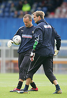 Photo: Andrew Unwin.<br /> Northern Ireland v Iceland. European Championships 2008 Qualifying. 02/09/2006.<br /> Northern Ireland's goalkeepers, Maik Taylor (L) and Roy Carroll (R).