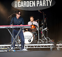 Scouting for girls KNEBWORTH Pub in the park Drive in Garden Party photo by Mark Anton Smith